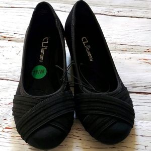🆕️ CL BY LAUNDRY WOMEN'S BLACK WEDGE SHOES